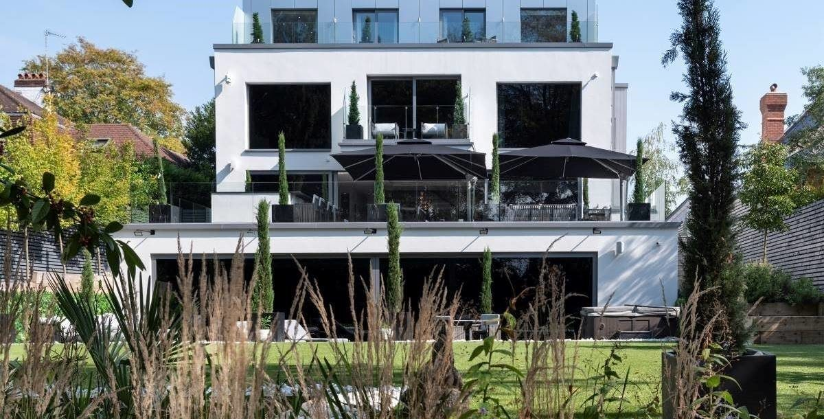 Modern Buckinghamshire mansion goes on sale with car lift and indoor pool