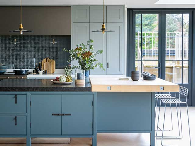 contrasting work surfaces on your kitchen island are ideal for zoning